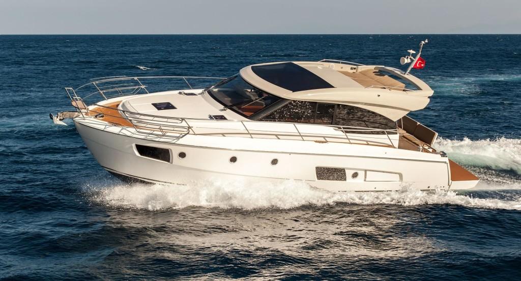 motor yacht help
